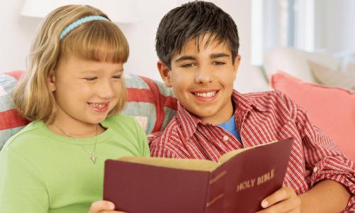 how to help your kids grow spiritually through Bible reading