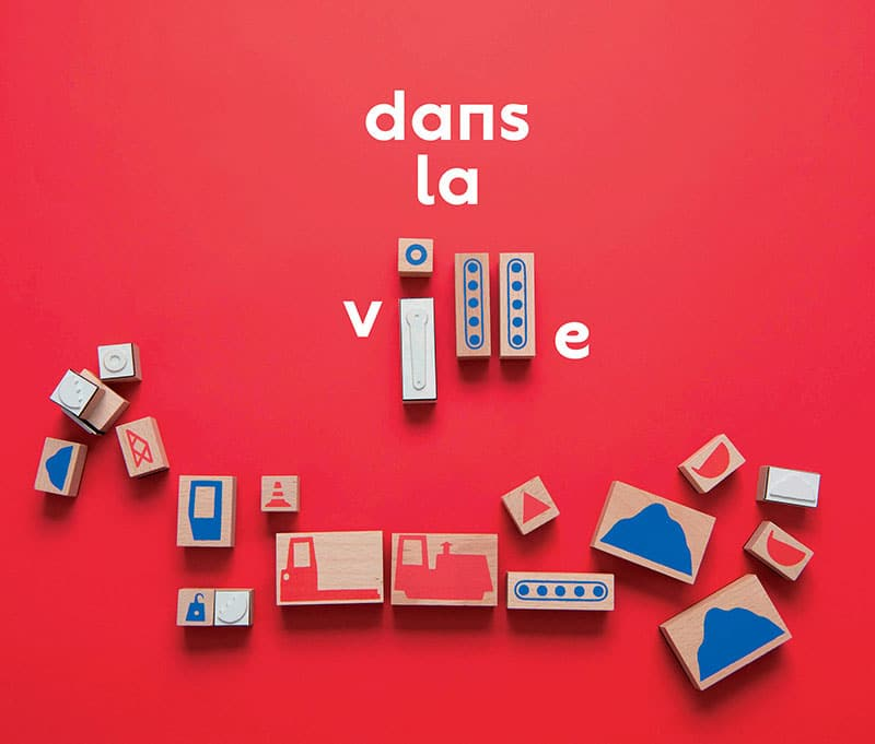 wooden building blocks 'dans la ville'
