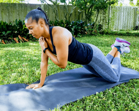 Knee Plank Shoulder Taps - Full Body Beginner Workout