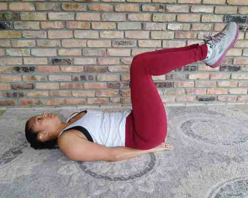 Bent Knee Toe Taps - 20 Min Tabata Workout for Beginners: Abs & Arms