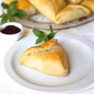 Spinach Pastries (Fatayer Sabanekh)