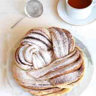 Russian Rose Bread (Braided Cinnamon Wreath)