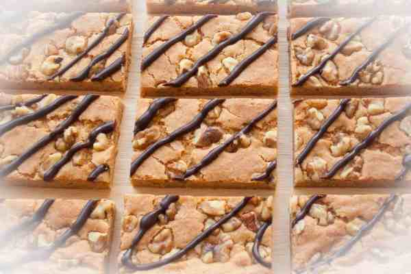BUTTERSCOTCH BROWNIES. Super chewy, easy to make and full of butterscotch flavor. These brownies are a hit every time I make them.