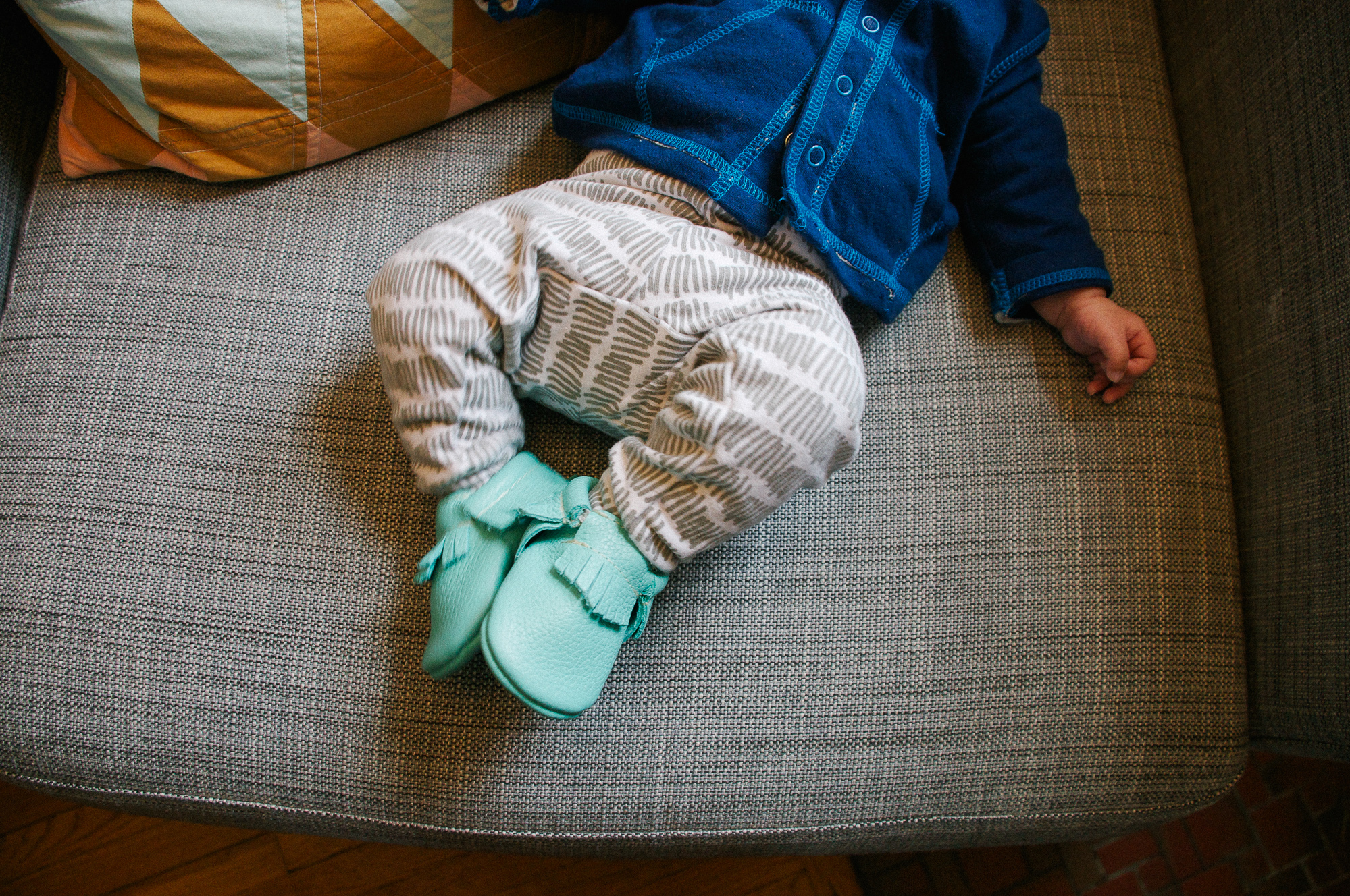 Freshly Picked Petite Blue crib moccasins