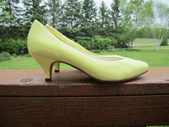 Vintage 1980's Yellow Leather Shoes - Size 6.5