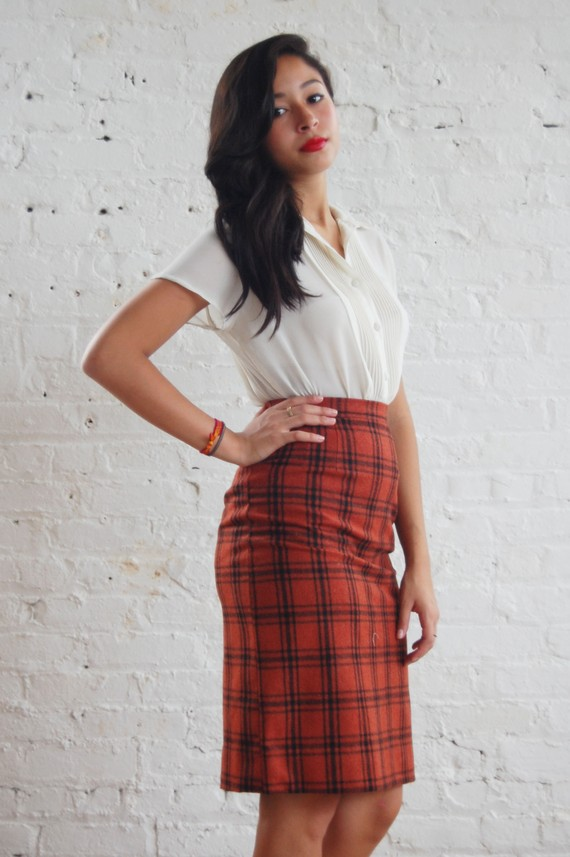 SALE ... rust plaid pencil skirt (xs-s)