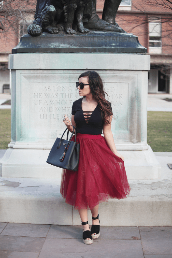 Check out how easy it is to style a tulle skirt with fashion, lifestyle, and beauty blogger Little Tree Vintage.