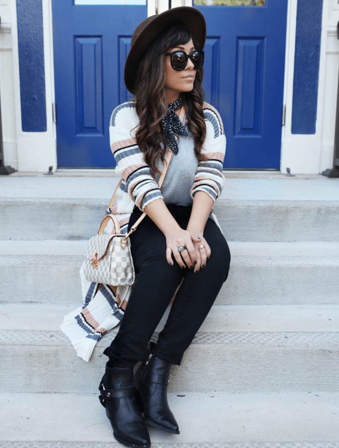 Mom Uniform– Look Good On The Go!