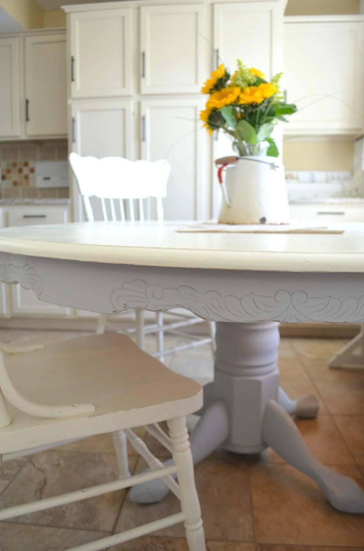 DIY Chalk Painted Farmhouse Style Table 4 Little Vintage