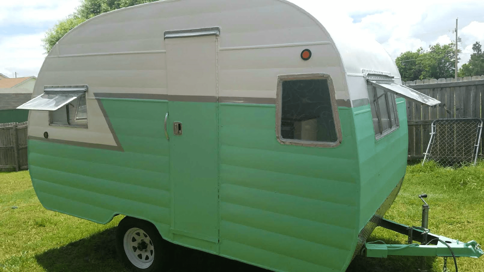 Do You Have A Trailer For Sale Would Like To See It Listed Here If So Visit Littlevintagetrailer Sponsor More Information