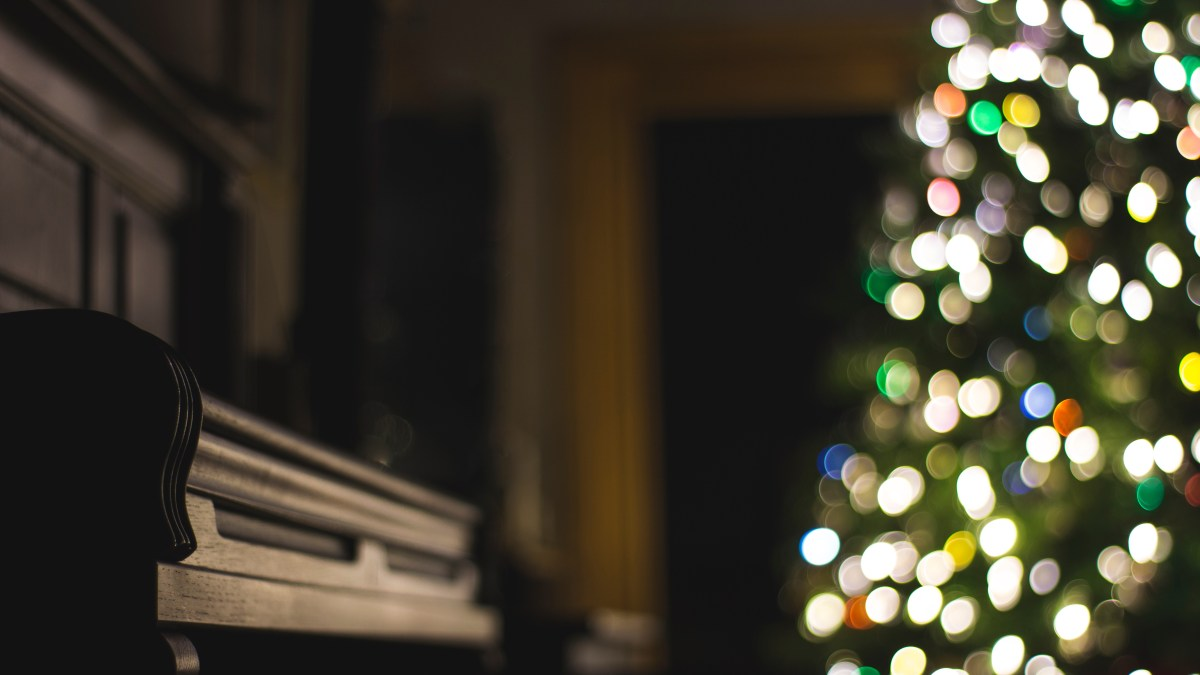 5 Unexpected Holiday Tunes for a Sunday