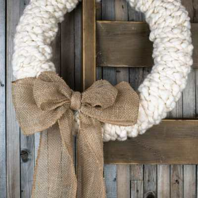 A Rustic Wreath You Can Make in Under 30 minutes – No Really!