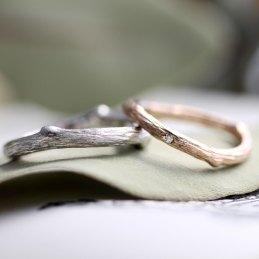 自然の木の枝結婚指輪