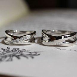 クロスデザイン結婚指輪