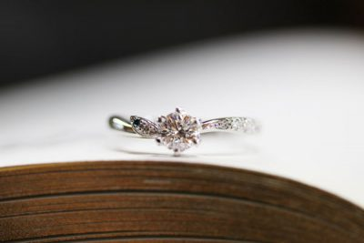 梛(なぎ)の葉のオーダーメイド婚約指輪