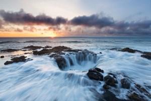 Гигантска дупка на брега на Съединените щати,  къде изтича океана ?