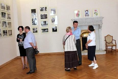 2012-05-20.Yalta-Livadia-FotoVystavka-Romanovy.11