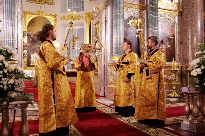 Малый вход,о Божественной Литургии детям