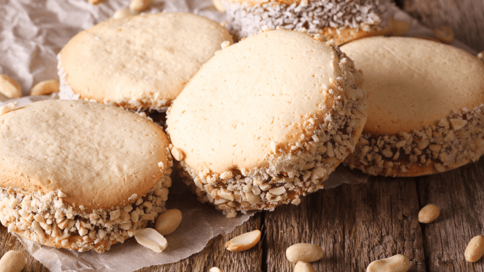 Traditional Christmas Cookies Around The World — Alfajores