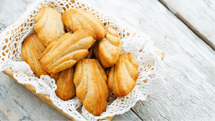 Traditional Christmas Cookies Around The World — Madeleines
