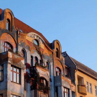 Même si vous pouvez seulement visiter Berlin en 1 jour, prenez le temps d'observer ses murs et ses façades