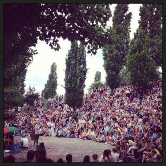 Visiter Berlin en 1 jour le dimanche et profite du célèbre karaoke du Mauer Park