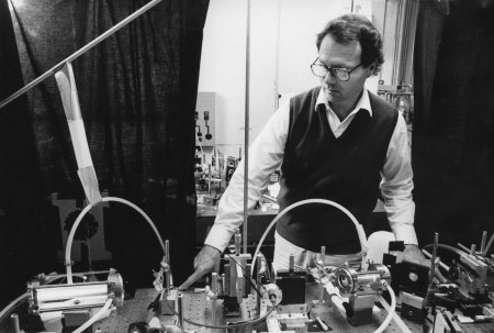 Charles Harris in his lab at Berkeley, undated photo. Image: College of Chemistry archive.