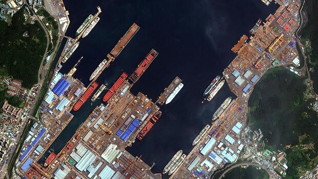 new container ships