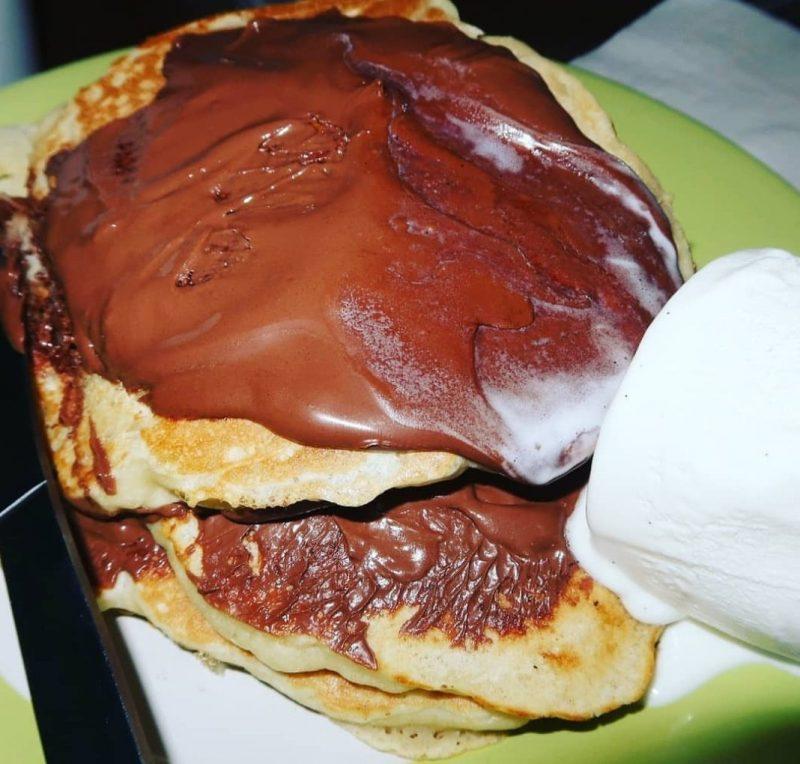 pancakes, nutella