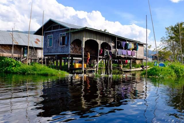 maison sur le lac inle