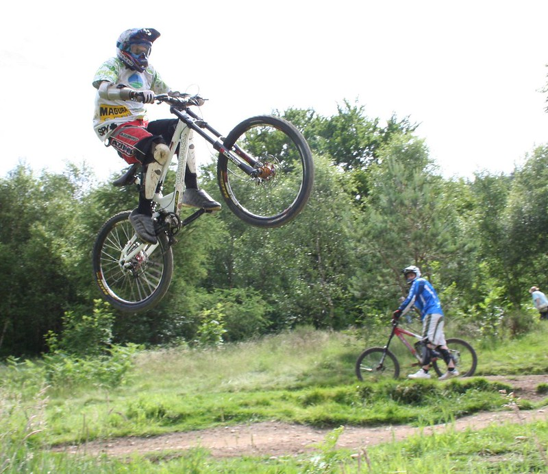 iBike Cwncarn Downhill Uplift Day June 07 | Flickr