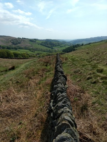 Walking to Stanage Edge and back from Hathersage