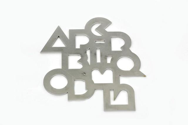 litery wycięte ze stali