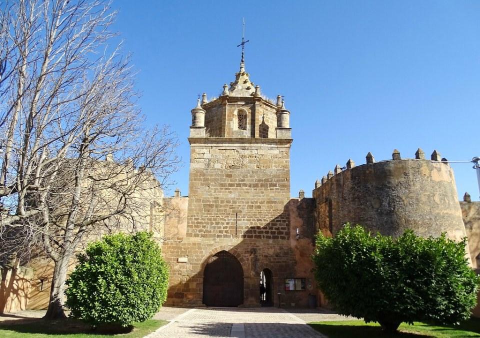 Torre del Homenaje exterior Real Monasterio de Santa Maria de Veruela Zaragoza 03