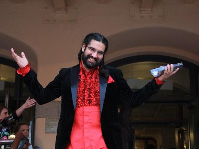 Teaterchefen Nils Poletti hälsade välkommen