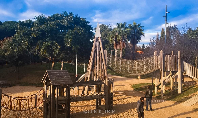 Parque Francesc Macià · Esculturas gigantes Barcelona ·