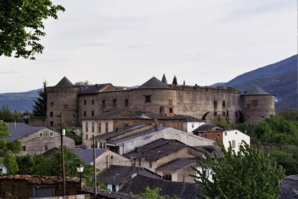 Castillo Palacio de los Marqueses de Villafranca del Bierzo Leon 11