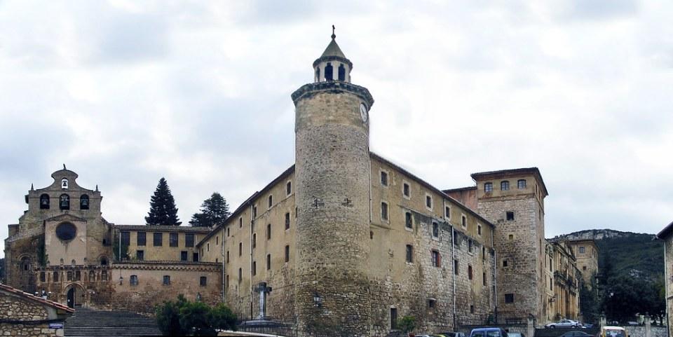 vista exterior Monasterio de San Salvador de Oña Burgos 01