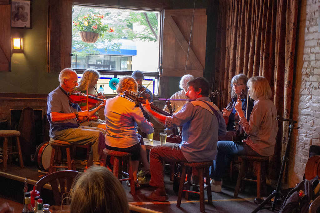 Celtic Session at Jack of the Wood-006