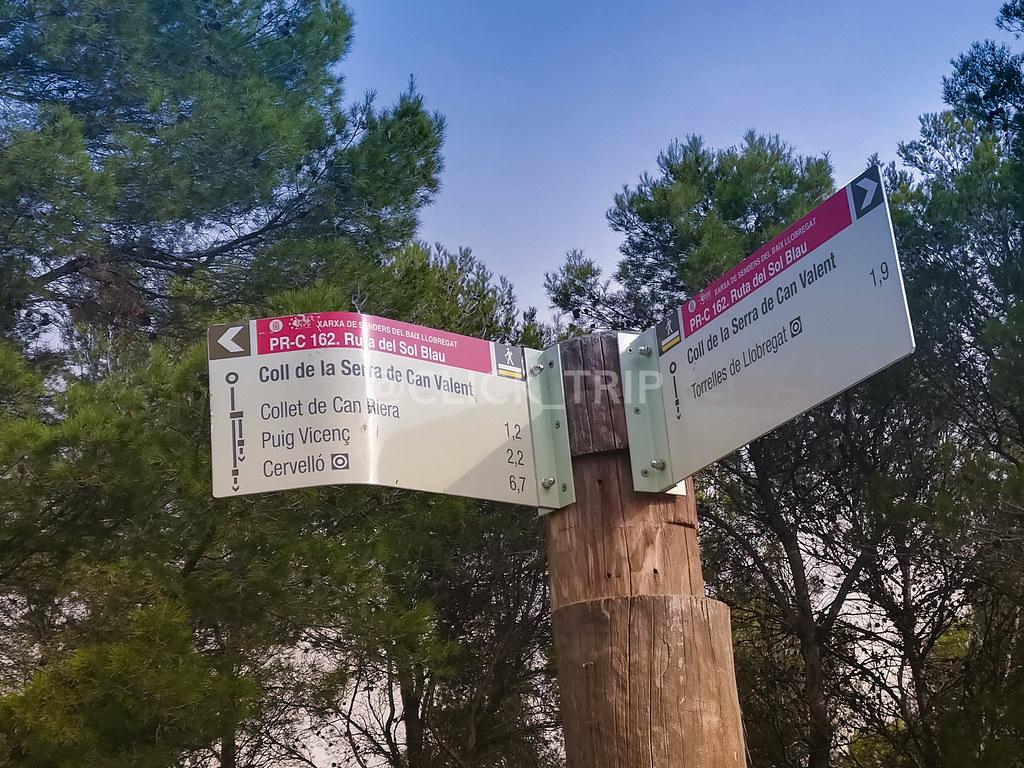 Ruta del sol Blau hacia Collet de Can Riera (Cogemos el camino de la izquierda)