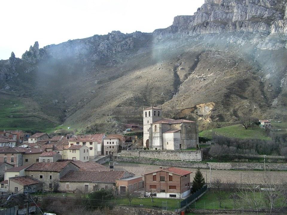 vista exterior Iglesia de Santiago Pancorbo Burgos 01