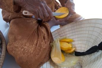 Omi bringt jeden Tag eine Mango