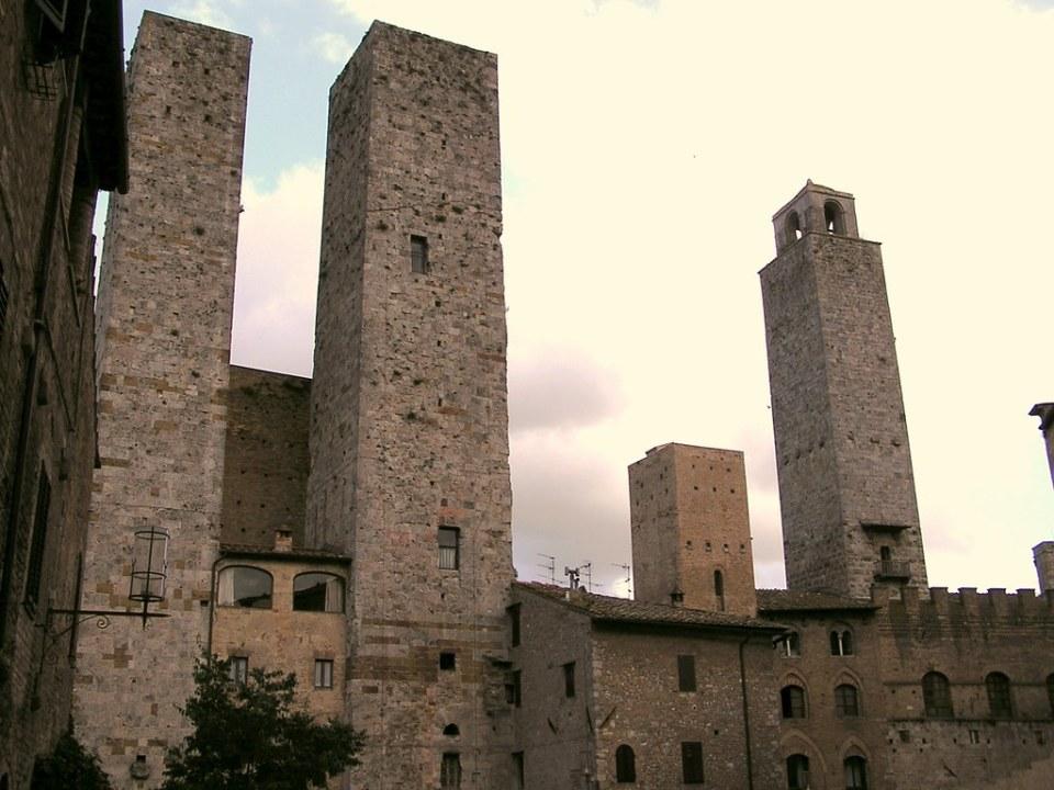 San Gimignano Plaza del Duomo La Toscana Italia 13
