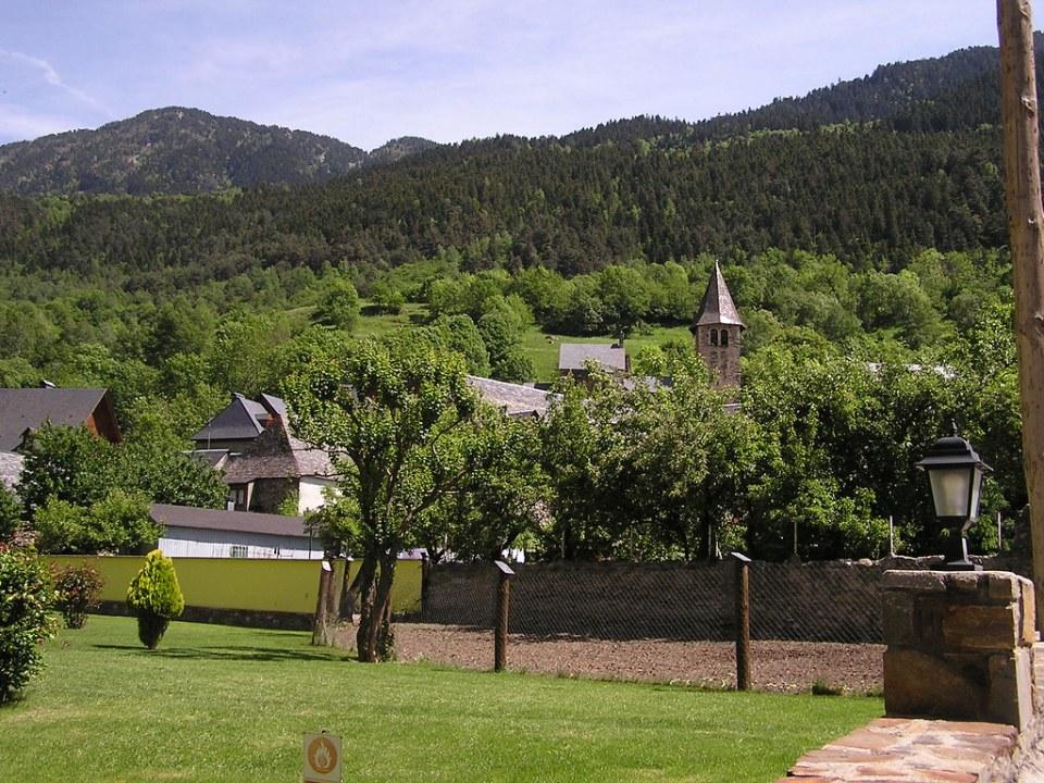 Escuñau Pirineos Lerida Valle de Aran 01