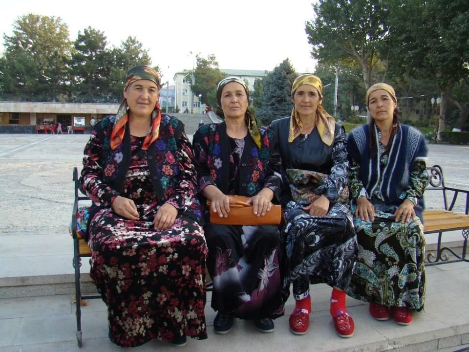 mujeres su gente Uzbekistán 139