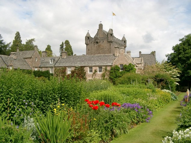 09 0750m - Cawdor Castle, Nairn