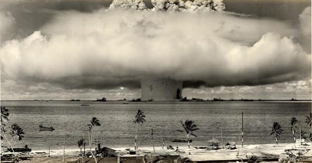1946 ... Baker Shot- Bikini Atoll 'Operation-Crossroads'