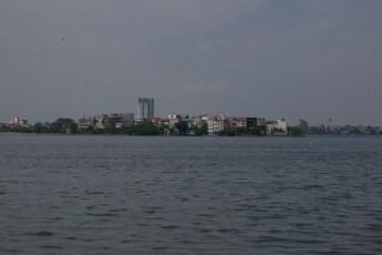 Ho Tay von Ba Dinh