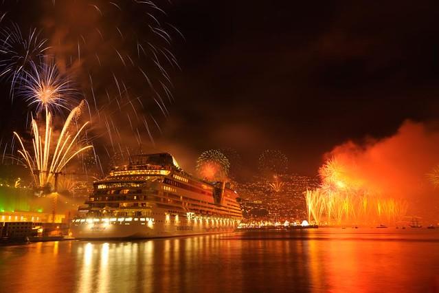 Resultado de imagem para madeira fireworks