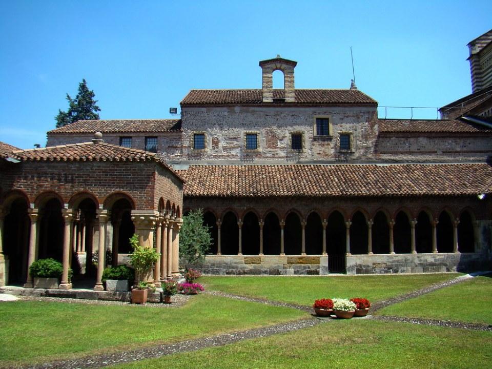 claustro Iglesia San Zenón de Verona Italia 35